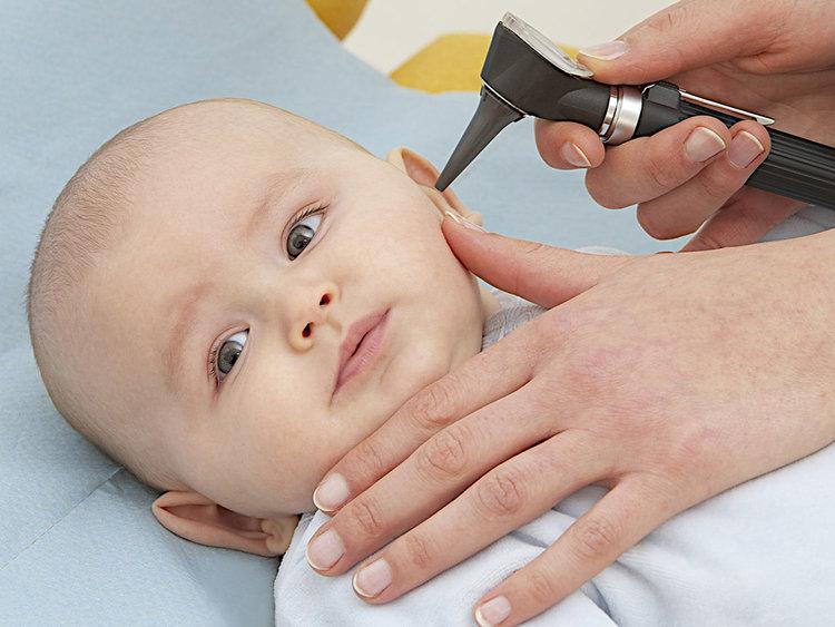come pulire le orecchie ai bambini